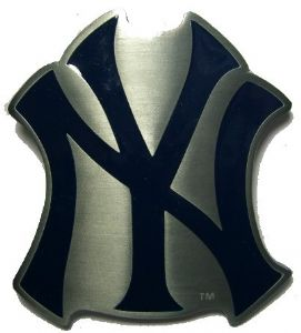 NY - New York Yankees Baseball Belt Buckle with display stand. Officially Licensed. Product code: SM3